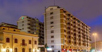 Radio Hotel - Roma - Edificio
