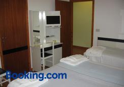 Hotel Prati - Castrocaro Terme - Bedroom