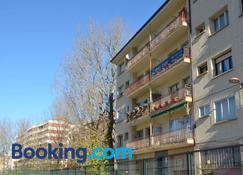 Pensión Ibai Ega - Estella - Edificio