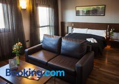 Hotel Tach Madrid Airport - Madrid - Phòng ngủ