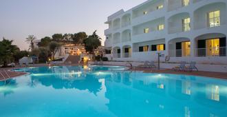 Gavimar Ariel Chico Hotel And Apartments - Cala d'Or - Pool