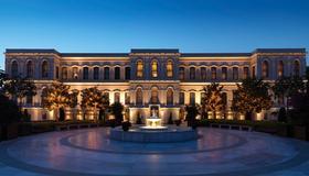 Four Seasons Hotel Istanbul at the Bosphorus - Istanbul - Rakennus