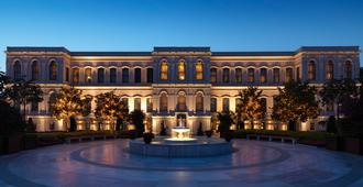 Four Seasons Hotel Istanbul at the Bosphorus - Istanbul - Building