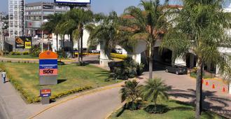 瑞爾德米納斯巴希奧酒店 - 雷昂 - 獅子城 - 室外景
