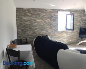 Le nid d aigle - Eze - Living room
