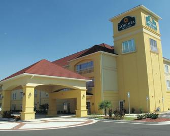 La Quinta Inn & Suites by Wyndham Macon West - Macon - Building
