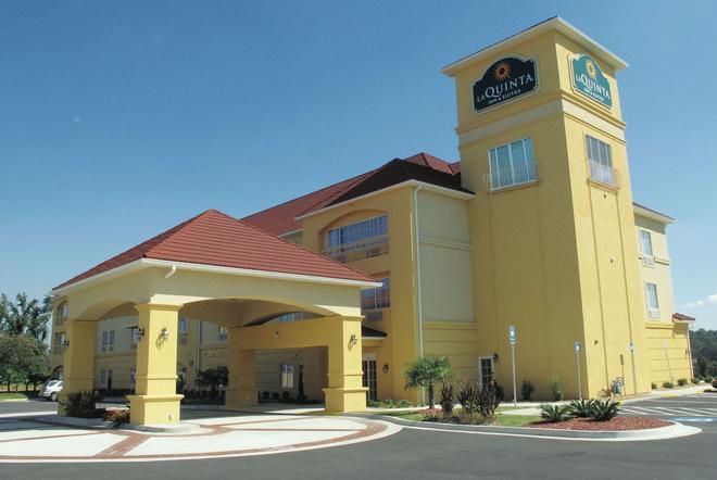 La Quinta Inn & Suites by Wyndham Macon West - Macon - Building