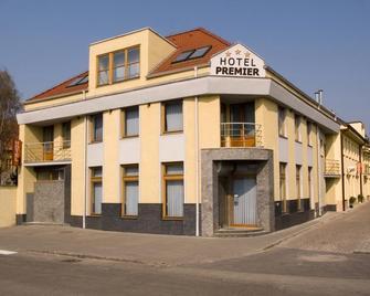 Hotel Premier - Trnava - Gebouw