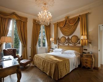 Hotel De La Ville - Monza - Bedroom