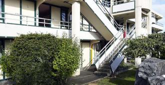 Premiere Classe Bayonne - Bayonne - Building