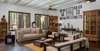 The Embassy Angkor Resort & Spa - Ciudad de Siem Riep - Sala de estar