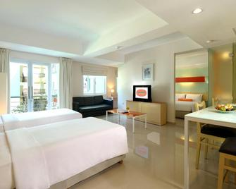 Harris Hotel & Residences Riverview Kuta - Kuta - Bedroom