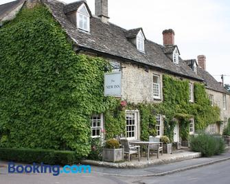 The New Inn Coln - Cirencester - Building