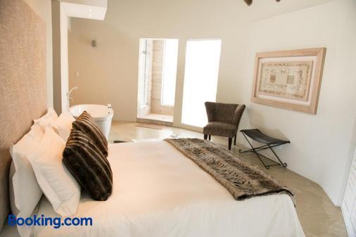 Moditlo River Lodge - Hoedspruit - Bedroom