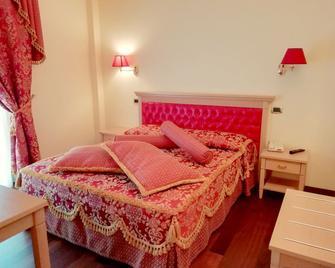 Hotel Concorde - Sant'Egidio alla Vibrata - Bedroom