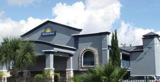 Days Inn by Wyndham Houston East - Houston - Bygning