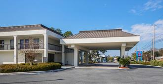 Motel 6 Savannah Midtown - Savannah - Κτίριο