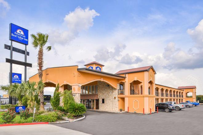 Americas Best Value Inn Buda Austin S - Buda - Edificio