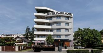 Hotel River Park - Cluj-Napoca - Edifício