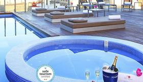 Axel Hotel Barcelona & Urban Spa - Adults Only - Barcellona - Piscina