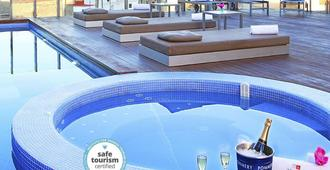 Axel Hotel Barcelona & Urban Spa- Adults Only - Barcelona - Piscina