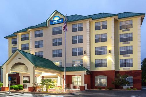 Days Inn & Suites by Wyndham Tucker/Northlake - Такер - Здание