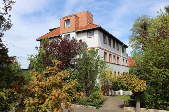 Pension Am Thermalbad - Bad Nenndorf - Building