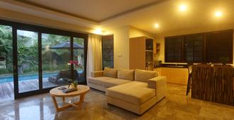 Grand Whiz Hotel Nusa Dua - South Kuta - Stue