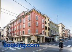 Hotel Savoy - Parma - Building