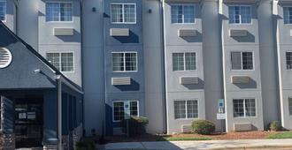 Microtel Inn By Wyndham Charlotte Airport - Charlotte