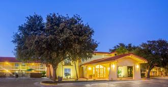 La Quinta Inn by Wyndham Eagle Pass - Eagle Pass