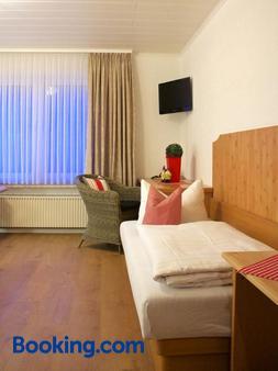 Hotel Ostermann - Treis-Karden - Bedroom