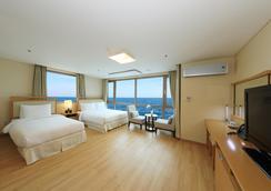 濟州島海洋套房飯店 - 濟州 - 臥室