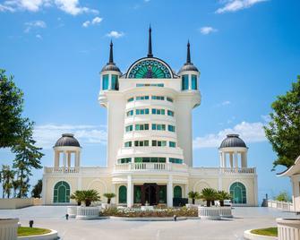 Castello Mare Hotel & Wellness Resort - Kobuleti - Building