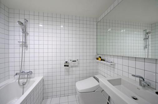 Creto Hotel Myeongdong - Seoul - Bathroom