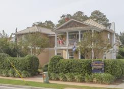 Beach Spa Bed and Breakfast - Virginia Beach - Rakennus