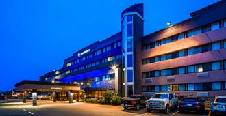 Best Western Cedar Park Inn - Edmonton - Edificio