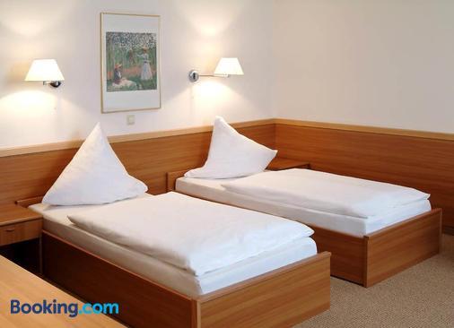 Hotel Hollsteiner Hof - Steinen - Bedroom