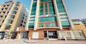 Signature Hotel Al Barsha - Dubai - Building