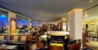Ramee Guestline Hotel Juhu - Mumbai - Bar