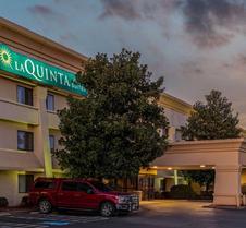 La Quinta Inn & Suites by Wyndham N Little Rock-McCain Mall