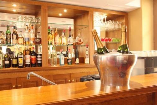 克洛斯昂布瓦斯酒店 - 安布瓦 - 阿姆博斯 - 酒吧