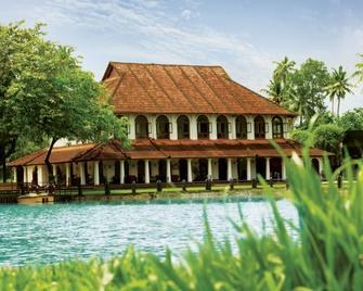 Taj Kumarakom Resort and Spa Kerala - Kumarakom - Building