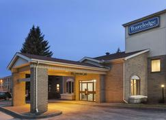 Travelodge by Wyndham Brockville - Brockville - Building