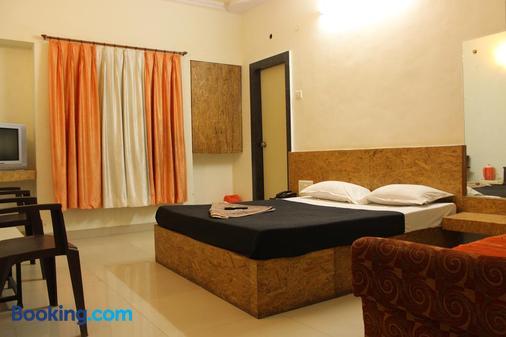 Hotel Yog Palace - Shirdi - Bedroom