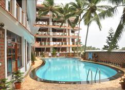 Sagara Beach Resort - Kovalam - Πισίνα