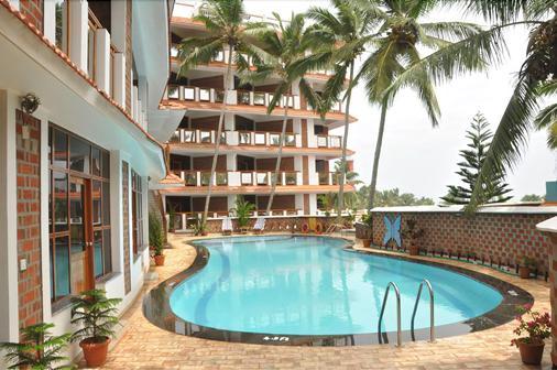 Sagara Beach Resort - Kovalam - Pool