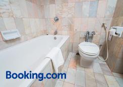 伊麗莎白酒店 - 曼谷 - 曼谷 - 浴室