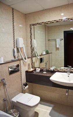 Ramee Rose Hotel - Dubai - Bathroom