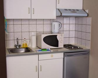 Budget Flats Leuven - Leuven - Kitchen